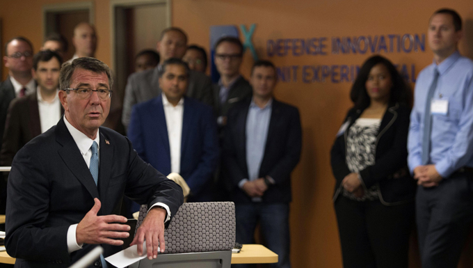 Defense Secretary Ash Carter speaks with Defense Innovation Unit Experimental employees in Mountain View, Calif., May 11, 2016, before delivering remarks about the future of the Defense Department's innovation, DoD photo by Senior Master Sgt. Adrian Cadiz